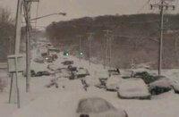 大喜利 吹雪のなか、渋滞に遭遇。 さてどうする?