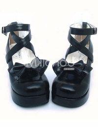 <急>ロリータ(ゴスロリ)の靴について質問です。 Milanoo という盗作ロリータを販売しているサイトでどうしても欲しい靴がありまして本家がどのブランド様なのか 自分なりに調べてみたのですが・・・見つからず。 どなたかブランドがわかる方、調べてくださる方、いらっしゃいませんでしょうか?お願いします。(涙) 店:Milanoo 商品:ブラック蝶結びロリータ靴 です。 自分で調べた...