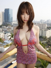 こういう水着着てるグラビアアイドルの画像をください。  また、こういう形の水着ってなんていう水着ですか?