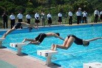 小学校-高校のプールには外から見えないように目隠しが付いてるのが凄く多いですが、何故でしょうか?
