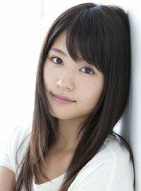 外人(アメリカ人やヨーロッパ系)は、一重でキリッとした目で鼻が低めのようなアジア人顔の日本人が好みとよく聞きます。日本では(人にもよりますが)目は二重でぱっちりしているような顔の方がモテていますよね? では、日本で人気のあるような顔の日本人って外国ではそんなにモテたりしないのでしょうか? 私が日本でモテると思うのは有村架純ちゃんのような顔です。