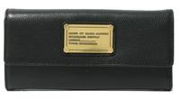 オシャレ好き女子に質問です。 奥さんにマークジェイコブスの財布をプレゼントしたいのですが、これどうですか?  そもそもマイクってまだ人気あります?  どういうイメージありますか?  http://zozo.jp/shop/marcbymarcjacobs/goods/1529172/?did=
