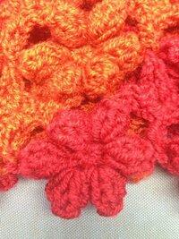 編み物初心者です。この編み方の名前や編み図や編み方が分かる方教えて下さい。よろしくお願いします。
