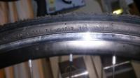 ロードバイクのタイヤについての質問です。 写真のようにタイヤに書いてあるのですが、これは何気圧まで空気を入れていいということなんでしょうか? ちなみに MIN.50-MAN.8.5P.S.I. 3.5-6.5BAR350-600KPA と書いてあります。