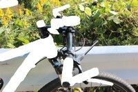 このハンドルのバックスウィープ角は何度でしょうか?  自転車店に聞いたら、「分度器とかで測れるもんじゃないからねー」と言われました。