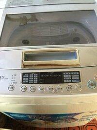 UNIQLO ウルトラライトダウンジャケットについて ウルトラダウンジャケットが汚れてきて、洗いたいんですが、普通に洗濯機にいれて洗濯でもいいんですか?  家の洗濯機はこのようなモードがあるんですが...