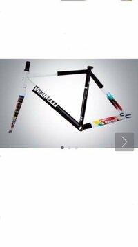 ピストバイクのcinelli vigorelli 2014というフレームの価格はいくらでしょうか よろしくお願いします。
