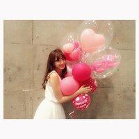 AKB48の小嶋陽菜(こじはる)さんの誕生日の時にもらっていたのと全く同じバルーンが欲しいのですが、どこのお店のものだか分かりますか?