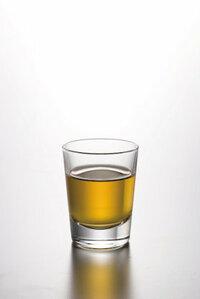 ウイスキーをストレートで飲むと口の中が痛いんですけど、自分だけですか? まれに口内炎ができることも。