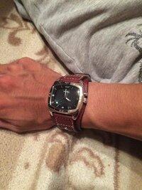 先日フォッシルの時計を買いました デザインどう思われますか?