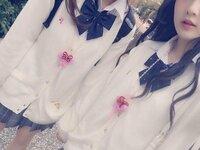 この越智ゆらのちゃんと林田まひろちゃんが着ているカーディガンってどこのですか??