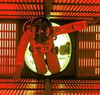 スタンリー・キューブリック さん の監督したどの映画が好きですか。  私は独断と偏見でかなり強引に 無理矢理以下5作品順不同です。 . ・フルメタル・ジャケット ・2001年宇宙の旅 ・シャイニング ・博士の異常な愛情 ・時計じかけのオレンジ