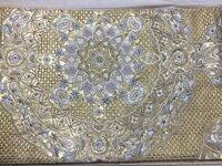 三つ紋の色留袖にこの帯を付けても大丈夫でしょうか? 従兄弟の結婚式に付けようと思ってます。
