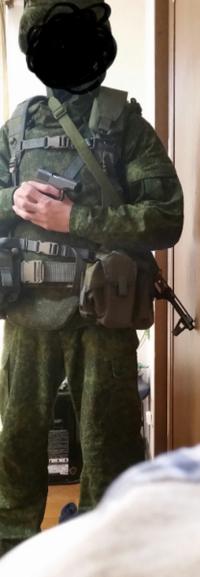 ロシア軍第31独立親衛空挺旅団(クリミア半島の時)を目指してこつこつと集めているのですがこれで合っていますか 何か足らない物や有った方が良いもの教えてください 武器ではなく服装面でお願いします ブーツは...