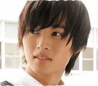 山﨑賢人さんのこの髪型にするにはどのようにオーダーすればいいですか? よろしくおねがいします。