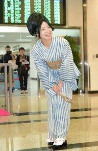 椎名林檎がこの写真で着ている浴衣はどこで仕立てられますか?