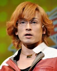 森田成一は何で人気爆発できないんですか? ルックス…声優としては十分良いほう。 演技力…かなり演じ分けが多彩なほう。 キャラ…人気キャラにかなり恵まれてるほう。