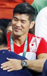 今回のオリンピックで井上康生監督が着けていた腕時計が気になります。  この時計はなんという時計でしょうか?