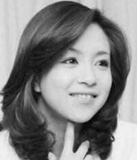 女優の坂口良子さんは美人でしたが、娘の杏里さんはお世辞にも美人とは言えません。お父さんに似たのでしょうか?よろしくご回答下さい。