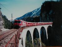 鉄道建設では多くのドラマが生まれます。 回答者の皆さまが 感動した鉄道建設での物語を ご回答ください。 自分は  アメリカグレートノーザン鉄道(現BNSF)のカスケード越え  での スティーブンスによる低い峠の発見、とスイッチバック8個  その後の大雪崩。 中国の鉄道の父 セン天佑による 八達嶺の青竜橋付近の建設  中国初のジグザグ(スイッチバック)路線。とマレーSLの運転。...