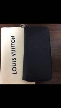 ルイヴィトンの財布ですが正規品でしょうか?