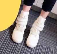 これ、何ていうブランドの靴かわかる方いませんか? これに近い靴などあれば教えてください。