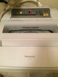 洗濯機の電気代について教えてください! 写真の洗濯機を使っているのですが、送風乾燥3時間と言うのがあります。 メーカーにより様々でしょうが、これを使用することで電気代はどれくらい上がるものなのでしょうか?今は浴室乾燥機で2時間、あとは自然乾燥してます。 洗濯機の送風乾燥だと洋服が縮んだりするのでしょうか?