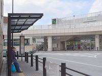 三鷹駅から、保谷駅南口行きのバスって西武バスか関東バスどっちも行きますか??  この写真のバス停に止まるバスです。