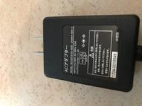 この画像のACアダプターはアメリカでもそのまま使えますか? それとも変圧器が必要ですか? Input AC100V 50/60Hz 0.3A Output DC5V=2A と、書いてあります。