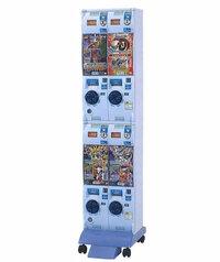 よくカードショップとかにある カードダスマシンのって カードパック(オリパ)の収納数は どれくらいかわかりますか?  一回300円使用になっています!