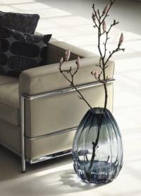 こちらの花瓶に生けてある枝の種類はなんでしょうか?