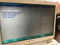 5年ぶりくらいに昔 使っていたパソコンを起動しましたがこんな画面のままです。 どうしたら良いか教えてください。 Windows XPです。   データが消えちゃいましたか?(T-T)