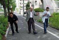 歴代のゴジラスーツアクターである、中島春雄さん、薩摩剣八郎さん、喜多川務さんが写っている下の画像なのですが、自分の記憶が確かなら、ゴジラシリーズのどれかの作品の特典映像の場面だったと思うんですが、 ...