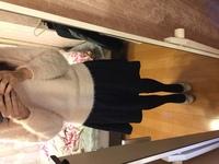 この服装とパンプスは合わないでしょうか? パンプス色わかりにくいですかピンクベージュっぽい色です