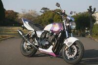 中免の免許取りたいんですが 自分が乗りたいバイクがxjr400でこのバイクに乗るにはA T限定とういうのを取らなきゃ行けないんですか?ぜんぜん分からないので説明とか教えて欲しいです!!XJR400の写真貼っておき...