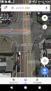 いそいでいます! 原付の二段階右折についてです!  画像の交差点に下方向から入り、右折するとき、二段階右折は必要ですか?原付の人でしてるのを見たことがないんですが。。。  画像のような右折専用レーンも合わせて3車線以上になるのか知りたいです!  それから、3車線以上で二段階右折禁止標識もない場合、二段階右折をしなければならないと思うのですが、二段階右折時に待つ場所に、ここで待てというようなバ...