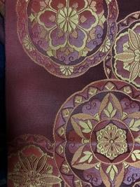 八寸名古屋帯です。  綴れ織はフォーマルにも使えるとのことですが、こちらの帯はフォーマルに使えますか?