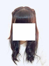 ヘアアレンジの練習をしてるんですが、この髪型どうですか?(;_;) 括ってるところは三つ編みしてます…!