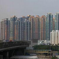 画像は香港の高層マンション、高層ビル群でございます。 ・ ・ ここで質問です。 ・ 香港は地震が少ない、もしくは地震がないのでしょうか。 いかがでしょうか。