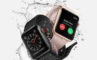 Apple Watch 初心者です ジョギングで使うために購入検討中です。  軽め?のApple Watch とかあるのでしょうか? スポーツ向けのApple Watch !?  Apple Watch は全て防水なのでしょうか?   アプリ Nike+とSpotifyが使えたら十分です。  ちなみにNike+はRuntasticみたいにペース読み上げ機能はあるのでしょうか?  最後に自分に...