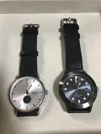就活の時計について質問です。 これらの時計で就活(この時期はインターン)はまずいでしょうか?また、おすすめの時計ブランドなど有りますでしょうか? まだ就活についての服装などが疎いので、御教授いただき...