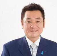 北海道知事選では泊原発が争点になると思います。 ですから野党共闘候補を出すなら出来れば松木謙公さんが適任かと思います。 松木謙公さんは小沢系議員だから、道内保守も掴めそうだし、保守 票を取れると思います。 皆さんは北海道知事選では野党共闘として松木謙公さんを出馬させた方が望ましいですがどうでしょうか? 写真の人物ですがどうでしょうか?