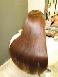 髪をさらさらトゥルトゥルにしたいです。 中学生です。 何ヶ月か前におかあさんに髪を肩まできってもらいました。それから伸ばしっ放しです。 特別なケアもしてないしプロに切ってもらってないので毛先がボサボサ...