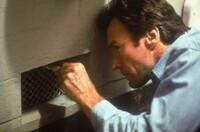 脱獄の映画「アルカトラズからの脱出」の日本語吹き替え版を観たいのですが、レンタルされているDVDやブルーレイでは日本語字幕のみで、吹き替えが無いみたいです。 動画配信サービスでも構いませんので、吹き替...