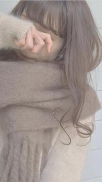 この巻き髪って何ミリのコテですか? 毛先だけ巻きますか? 自分でやるとバサバサになるか、しっかり巻きになってしまうのでコツが知りたいです