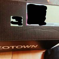 ZOZOTOWN返品についての質問です 返品手続きをして送り方に困っているのですが 伝票の直貼り等NG と書いてありました 送られてきたままの箱ではだめなのでしょうか? 回答よろしくお願いいたします。