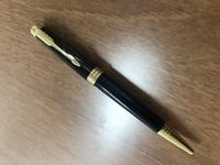 このボールペンはパーカー ソネット【旧型】でしょうか?同じやつが欲しいのですが、回答お願いします。