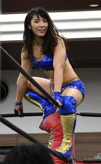 女子プロレスに詳しい方へ質問します。  才木玲佳と愛川ゆず季はどちらが強いと思いますか?