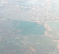サウジアラビアに湖ってありますか。 先日、サウジ上空を飛行中、湖らしきものを 見ました。画像がそれです。