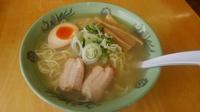 皆様がお薦めのラーメン屋さんを教えて下さい。 私は北海道紋別市の「ラーメン一歩」の塩ラーメンです。魚介系のスープが美味しいです。